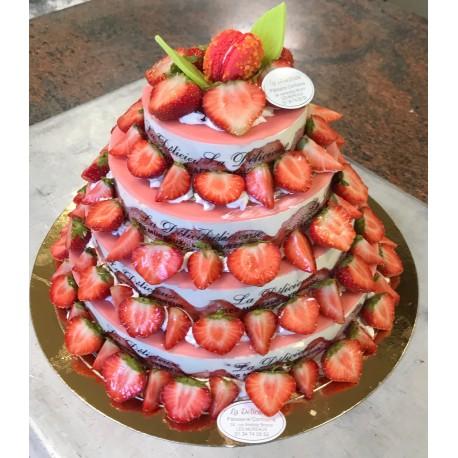 Pièce Montée en Fraiser (style weeding cake)